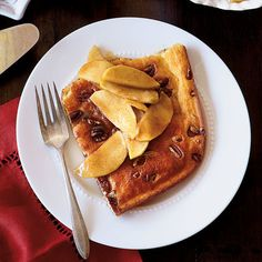 Top-Rated Christmas Brunch Recipes: Pecan Pancake with Caramel-Apple Topping