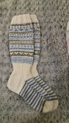Knit Socks, Knitting Socks, Knee High Socks, Baby Booties, Booty, Crochet, Places, Fashion, Knitting And Crocheting