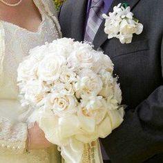 Ivory Bridal Bouquet & Boutonniere