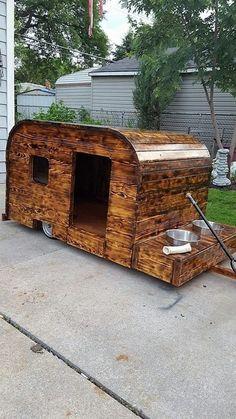 pallet-cabin #DogHouseDIY