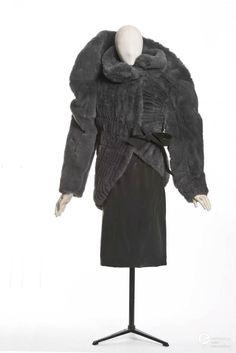 paco rabanne 1980s 1998s les arts decoratifs paris europeana fashion Paco  Rabanne 3715a682563f5