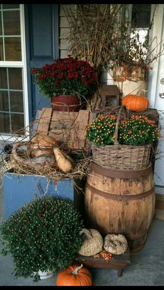Beautiful Rustic Fall Porch Display