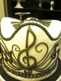 Musical Cake! by nomnomcupcakes, via Flickr