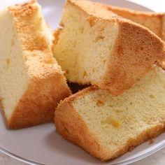 絹の口溶け♪ 米粉とオレンジのシフォンケーキ★ リクエストスイーツ(4) by marimoさん | レシピブログ - 料理ブログのレシピ満載! こんばんは! 今日は、米粉を使ったシフォンケーキを作りました♪ こちらは、ずっと前に「米粉とオレンジを使ったお菓子」というリクエストを頂いていたので、 ずっと作りたかったお菓子です。 もしかして...