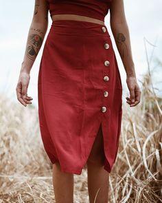 Viva Yemanjah (@vivayemanjah) • Fotos e vídeos do Instagram #matisse #estamparia #slowfashion #estampasexclusivas #camisaria #moda Waist Skirt, High Waisted Skirt, Matisse, Foto E Video, Rock, Skirts, Instagram, Fashion, Colour Red