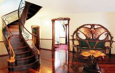 Дизайн холла из дерева в стиле модерн  #дизайн_интерьера #интерьер #модерн #стиль_модерн