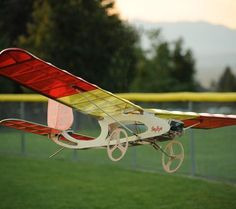 Our latest construction article for Electric Flight is a real combo of old and new. The SkyEye is a lightweight, easy to build 3-channel sport flyer pusher design that's designed for not one …