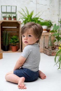 Perfekt für den Sommer! Die kurze Baby-Hose aus Frottee. Mehr von Koeka findest Du bei Kleine Fabriek. :)