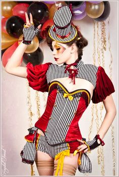 CIrcus corset burlesque pin up gothic by blacknorns on Etsy, Circo Steampunk, Costumes Burlesques, Costume Ideas, Halloween Kostüm, Halloween Costumes, Cabaret, Circus Vintage, Costume Blanc, Fancy Dress