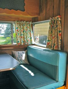 Vintage Trailer interior--Camper seats are Chevy turquoise & grey nylon Vintage Rv, Vintage Campers, Vintage Camper Interior, Retro Campers, Vintage Caravans, Vintage Travel Trailers, Vintage Motorhome, Happy Campers, Vintage Airstream