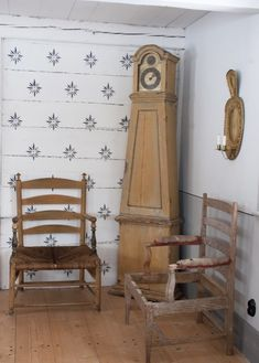Antik och auktion Borgästargården Swedish Cottage, Swedish Decor, Decor Scandinavian, Swedish Style, Scandinavian Furniture, Swedish Wallpaper, French Style Decor, Classic House, Historic Homes