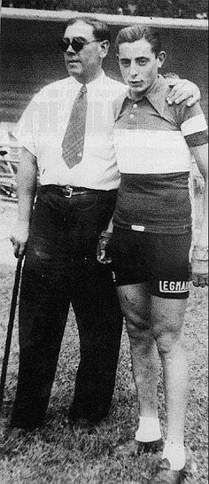 Biagio Cavanna (1893-1961) con Fausto Coppi (1919-1960) in maglia tricolore. 1942-1943