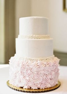Wedding Cake idea; Featured Photographer: Mint Photography