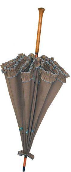 Ruffle sunbrella. Much cooler than wearing a hat on a hot summer day.