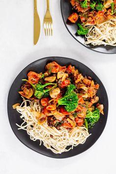MY FAVE WEIGHT-LOSS DINNER: BLACK BEAN & VEGGIE SPAGHETTI (MEAL PREP) | Liezl Jayne