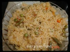 Tomato rice - Ever Green Dishes Vegetarian Rice Dishes, Vegetarian Platter, Vegan Dishes, Simple Recipes, Spicy Recipes, Cooking Recipes, Healthy Recipes, Cheap Meals, Easy Meals