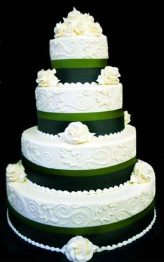 Split Ribbon Bredenbeck's wedding cake