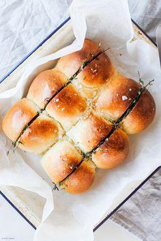 Soft Garlic Bread Ro
