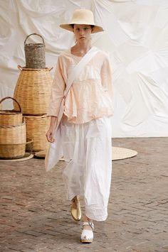 Boho Fashion, Fashion Show, Fashion Outfits, Trend Board, Elle Macpherson, White Maxi, I Dress, Fashion Brands, Spring Summer