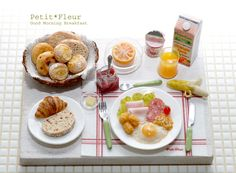 Miniature breakfast