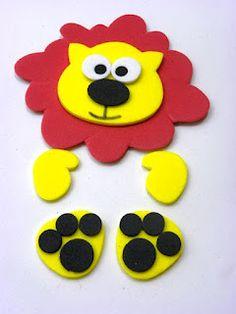 Leon goma eva Kids Crafts, Preschool Crafts, Diy And Crafts, 3d Paper Crafts, Foam Crafts, Paper Gifts, Kids Gift Bags, Gifts For Kids, Felt Kids