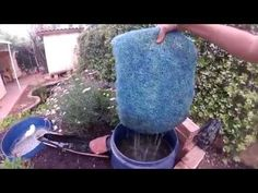 Pond Filter Diy, Pond Filters, Diy Pond, Water Features In The Garden, Aquaponics, Super Easy, Koi Ponds, Water Gardens, Cleaning