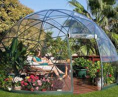 Envie de lire au soleil ? Adoptez la serre géodésique   #serre géodésique #igloo de jardin #jardin #igloo