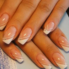 Треугольный френч для длинных ногтей Gel Manicure Designs, Manicure And Pedicure, Nail Art Designs, French Tip Design, Geometric Nail Art, Classic Nails, French Tip Nails, Elegant Nails, Almond Nails