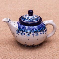 TETERA 2 TAZAS GRACE Tú y yo... y nuestro té favorito My Beautiful Pottery Handmade with love Este producto ha sido elaborado y pintado a mano por expertas artesanas. Doble cocción a 1300ºC única en el mundo, brillo y dureza extraordinarios en el uso diario. #handmade #taza #mymoment #decoración #hogar #tazas #arte #ceramica #artesanal #pottery #Cottage #tetera #tea
