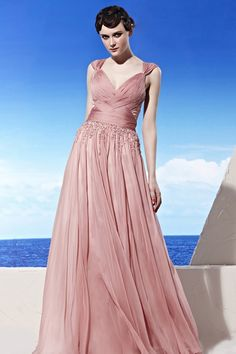 Rochie de seara roz     http://ilsegno.ro/colectii/rochii-de-seara
