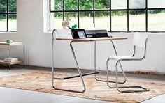 Thonet desk, how pure is this in it's form?! Sekretär S 1200 im klassischen Bauhaus-Look bei Thonet
