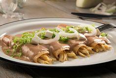 Prepara nuestra deliciosa receta de enfrijoladas Philadelphia para sorprender a todos a la hora de comer o desayunar ¡Tus platillos de ricos a deliciosos!