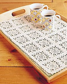 Use this free pattern to crochet a quick and easy tray mat. This tray mat adds a touch of elegance to your serving tray, and you can crochet multiple mats in different colors to give the appearance of having several different trays. Filet Crochet, Crochet Motifs, Thread Crochet, Crochet Doilies, Knit Crochet, Crochet Patterns, Crochet Diagram, Crochet Table Runner Pattern, Crochet Placemats