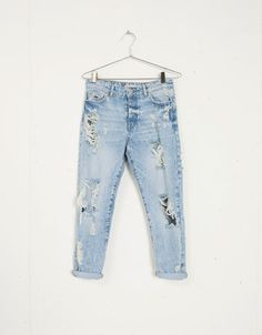 Jeans Girlfriend con rotos Bershka - New - Bershka Islas Canarias
