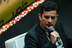 Durante XII Simpósio Brasileiro de Direito Constitucional, em Curitiba, juiz da Lava Jato criticou projetos de lei em tramitação no