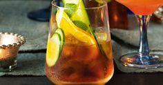 A summer classic cocktail. For a professional touch, add a cucumber swizzle stick to your punch glasses. Punch Recipes, Top Recipes, Cooking Recipes, Pimms Recipe, Summer Pudding, British Party, Beef Wellington, Chicken Tikka, Ginger Ale