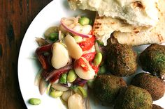 falafel, with lima bean salad (There is a link to more info on making the falafel). I lonnnng to eat this. Falafels, Lima, Vegetarian Recipes, Healthy Recipes, Fava Beans, Frijoles, Bean Salad, Vegetable Salad, Lunches And Dinners