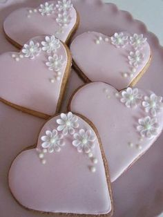 Emily Jane Cakes – Gallery – Delicious cakes, biscuits and cupcakes for every occasion … – Wedding Inspirasi - Kuchen Ideen :) Fancy Cookies, Cute Cookies, Iced Cookies, Royal Icing Cookies, Cupcake Cookies, Heart Cookies, Sugar Cookies, Fondant Cookies, Owl Cookies