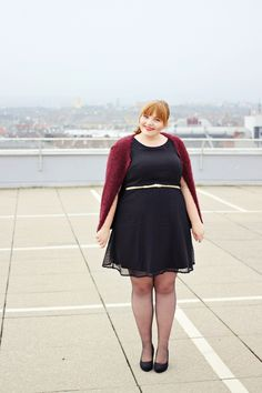 Plus Size Outfit on kathastrophal.de | Junarose Friends: Little Black Dotted Dress + Fuzzy Cardigan {What I Wore}