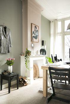 1930s House Interior, Living Room Interior, Bedroom Minimalist, Minimalist Interior, Green Home Decor, Home Trends, Interior Decorating, Interior Design, Home Decor Inspiration