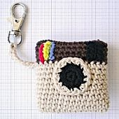 Ravelry: Camera key chain pattern by Judit Guillen