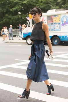 black crop & navy skirt. #LauraComolli in Paris. #PursesAndI