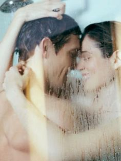 9 Tips for Steamy Shower Sex