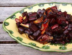 Roasted beet & fennel salad w/ balsamic glaze (*use scd legal balsamic vinegar…. Fried beet and fennel salad with balsamic glaze (* with legal balsamic vinegar …) Balsamic Glaze Recipes, Fennel Recipes, Radish Recipes, Veggie Recipes, Real Food Recipes, Salad Recipes, Healthy Recipes, Free Recipes, Roasted Fennel