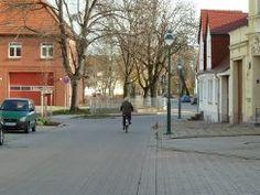 schönebeck salzelmen  | Rechts hinter der Feuerwehr war die Schule, die ich bis zur 7. Klasse besuchte. Sie wurde später leider abgerissen.