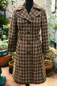 Trench Coat em Lã $170 Tamanho P Second Hand