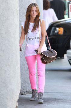309ae1f7bcee Jennifer Love Hewitt in J Brand jeans - £220 http   www.