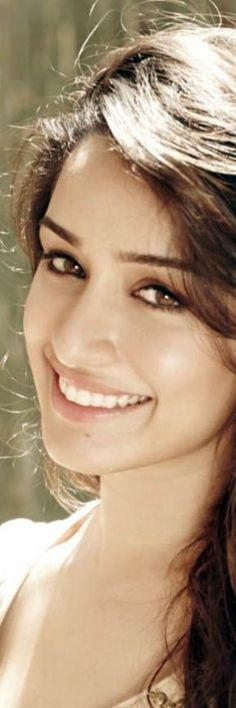 Shraddha Kapoor with a great smile, reminds of Madhuri Dixit in her hey days...