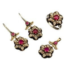 Silver Earrings For Women Silver Jewellery Online, Wholesale Silver Jewelry, Women's Earrings, Silver Earrings, Jewelers Near Me, Jewelry Auctions, Luxury Jewelry, Sterling Silver Necklaces, 925 Silver