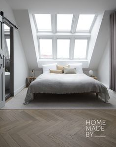 15 Attic Bedroom Trend to Inspire You Bedroom - Bedroom Design Loft Room, Bedroom Loft, Master Bedroom, Bedroom Decor, Bedroom Ideas, Bedroom Rustic, Bedroom Inspiration, Master Suite, Girls Bedroom